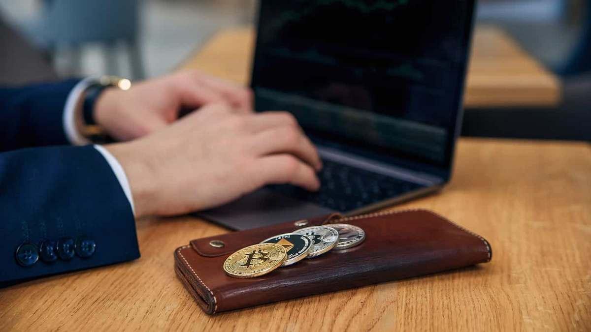 Empresa de chatbots é primeira a receber em Bitcoin e Ethereum