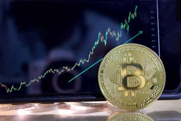 bitcoin e altcoins subindo