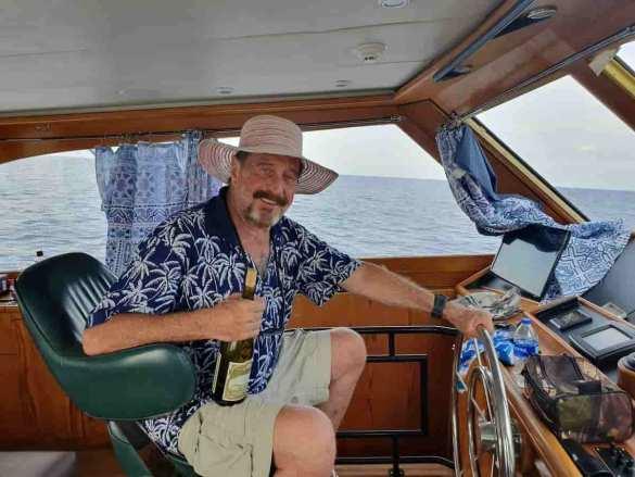 John McAfee no barco