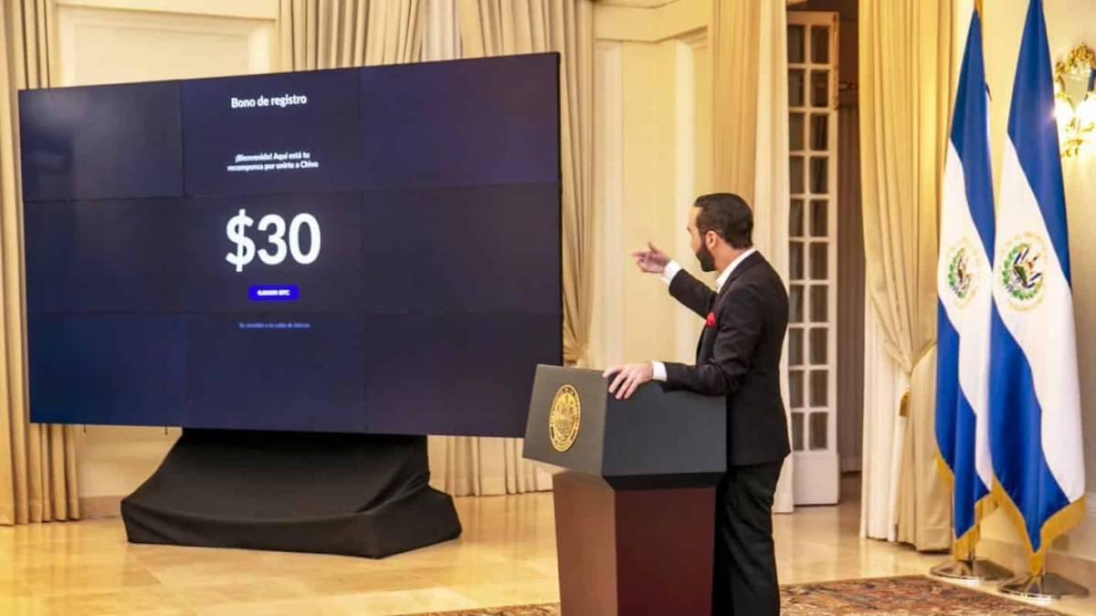 Bitcoin grátis: El Salvador dará US$ 30 em BTC para quem utilizar carteira do governo