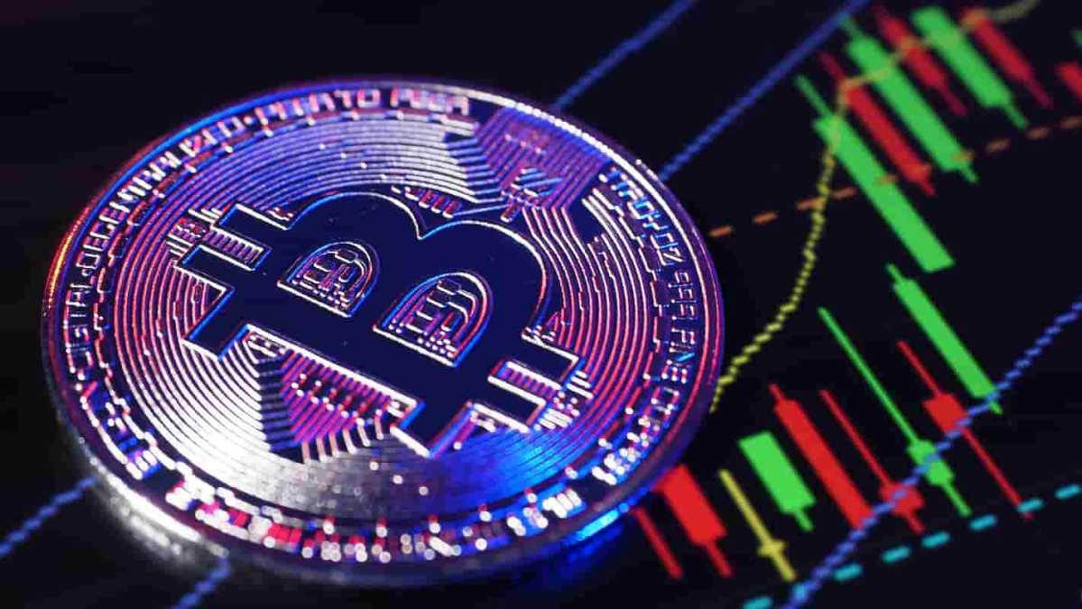 Bitcoin se aproxima de US$ 50.000 com recuperação semanal